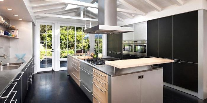Montecito-House-with-Chefs-Kitchen