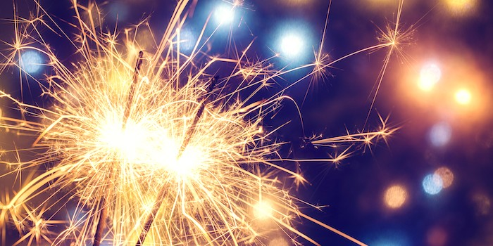 New-Years-Eve-Sparkler-Featured-Image
