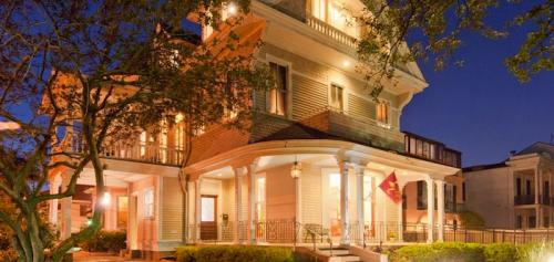 Grand Victorian Bed & Breakfast, New Orleans,