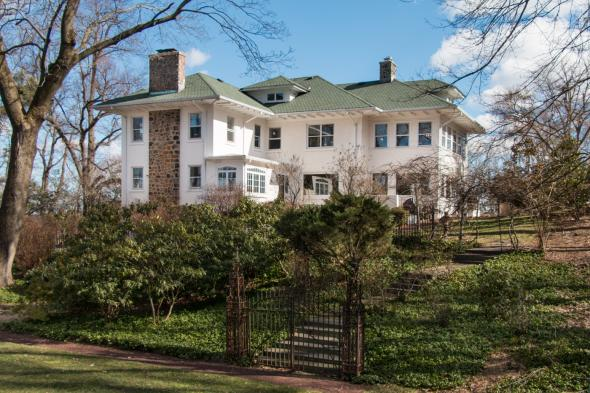 Beautifully Restored Chatham Estate Overlooking Watchung Reservation, Chatham,